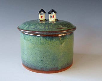 Lidded ceramic jar, pottery jar, Neighbor houses jar, village pottery