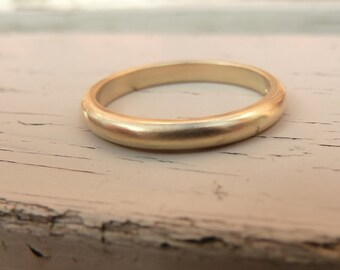 18ct gold wedding band, gold wedding band