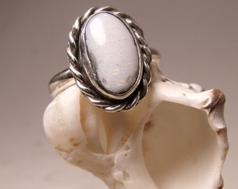 Sterling Silver Ring with Opal Stone RF384