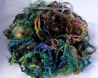 25g (31.60 Euro/100g) 0.9oz hand dyed bfl fleece, wool curls, wool locks, felting wool, doll hair, spinning fiber, wool hair, 100% wool
