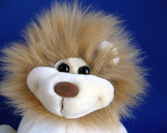 Vintage Leo the Lion Stuffed Animal by 24k POLAR PUFFS Special Effects Mighty Star 1990s Toy Smiling Dimples Plush