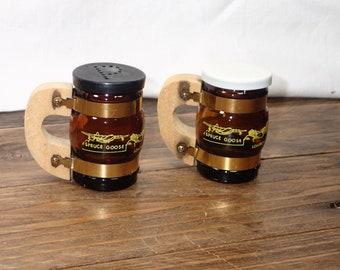 Wooden Handle Mug, Glass Mug Salt and Pepper Shakers, USA Souvenirs, Real Wood, Salt Pepper Shaker Set, Kitchen Shakers Set, Vintage Serving