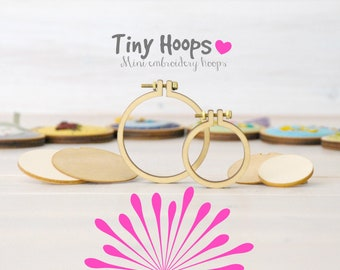 "DIY Mini Embroidery Hoop Frame - Pack of 2 - 1 x1.6""/4cm and 1 x 2.2""/5.5cm - Mini Embroidery Hoops Kit - Miniature Hoop - DIY Mini Hoop"