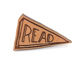 Read - Well Read Pin