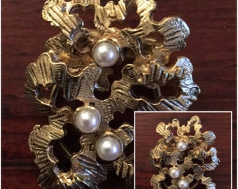 Vintage Dress Clip Goldtone with Pearls