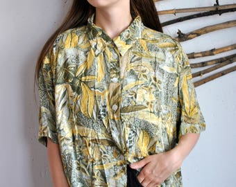 Nature print summer shirt 1990s 1980s vintage womens green plants hipster blouse