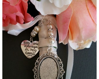 Customized Oval Locket For Wedding Bouquet Or Boutonniere