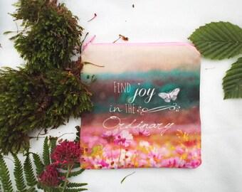 Boho coin purse, small purse, floral fabric, happy pouch, bohemian fabric purse, landscape and daisy fabric watercolor, idea gift for women