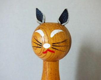 Vintage wooden cat clothes brush