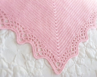 Crochet Baby Blanket Pattern with Scalloped Edge