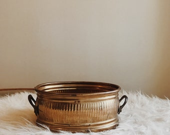 Vintage brass planter pot | oval brass pot | vintage brass planter | midcentury brass planter | midcentury brass pot | brass pot