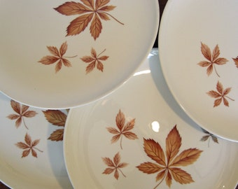 Taylor Smith Taylor - Ever Yours Shape - Random Leaves Pattern - Set of 4 Dinner Plates