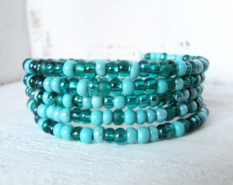 Bright Aqua and Teal Beaded Memory Wire Wrap Bracelet, Teal Cuff Bracelet, Beaded Blue Memory Wire Bracelet