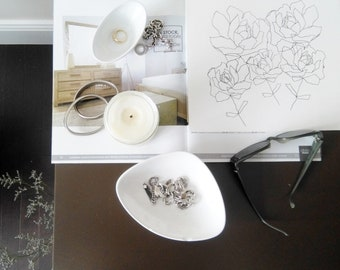 "ORIGINAL Botanical Drawing; Minimalist Flower Drawing; Abstract Flower Drawing; ""Blume"" Art Pen on 185g Canson Paper;"