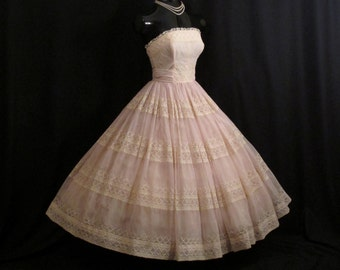Vintage 1950's 50s STRAPLESS Cotillion Formals Baby Pink Ivory Embroidered Lace CHIFFON Organza Party Prom Wedding Dress Gown