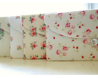 Shabby chic roses bridesmaid clutch Set 3, 4 5, 6, Bridesmaid Gift Set, Bridesmaid Clutch Set, Wedding Party ashley, Shabby Chic ashwell
