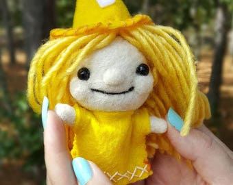 Needle felted Witch art doll-felt witch-witch doll- handmade adorable little collectible felt doll, Yellow Witch