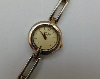 Ladies Citizen Quartz, Japan, Stainless Watch, Running, keeping time.