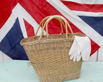 Shopping Bag / Shopping Basket / Vintage Wicker Bag / Wicker Bag / Wicker Purse /  Vintage Purse / Vintage Basket / Straw Bag /
