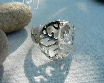 Round ring with snowflake pattern / clystal snow ring of silver