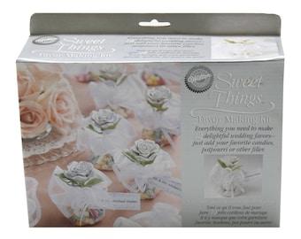 Wilton Ent. Sweet Things Favor Making Kit, 12 Favors - 2-Packs