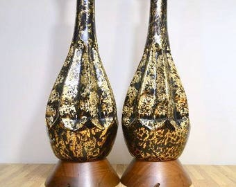 Mid Century Modern Hollywood Regency Black and Gold Glaze Ceramic Pair of Table Lamps Atomic Lounge Lights Teak Wood Base