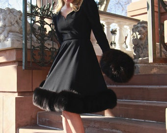 Vintage Pauline Trigere Dress / Audrey Hepburn / Little Black Dress / Fox Fur Trim / Size Medium