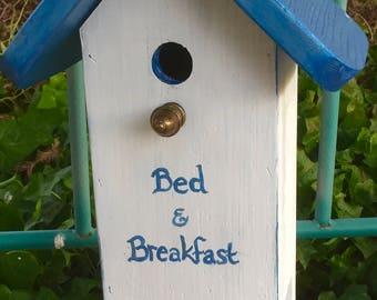 Bed N Breakfast Birdhouse & Feeder