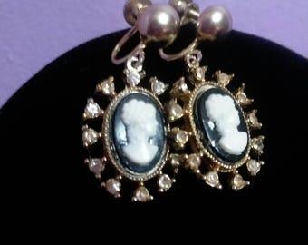 1950s Coro CAMEO Necklace & Earring Set