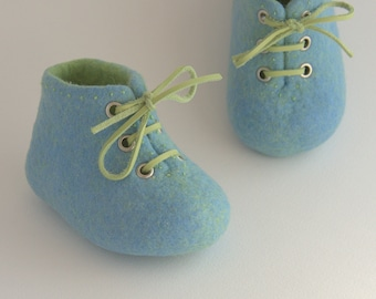 Handmade baby shoes, newborn baby shoes, crib booties, baby photo prop, pregnancy reveal, christening shoes, baby announcement, baby shower