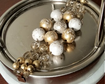Vintage bracelet, 1960's large gold/white beads, 1960's bracelet, vintage jewelry, 1960's vintage jewelry, beaded bracelet