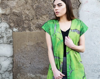 "Light green sleeveless jacket with Kunstprint ""Cocuyo"", SS17"