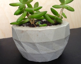Faceted planter - small