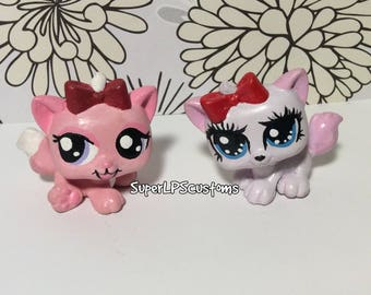2 OOAK hand painted pink and white cats with bows - LPS (Littlest Pet Shop Custom)