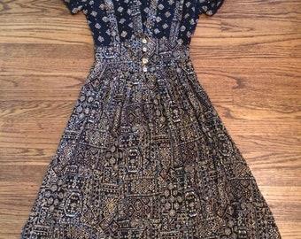 Women's vintage 1980's dress. Size XS/S