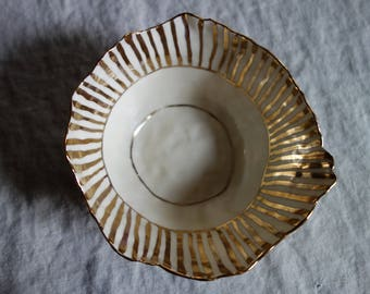 Tall Striped Bowl with Pure Gold Overglaze