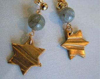 Stud Earrings 14 k gold star and labradorite.