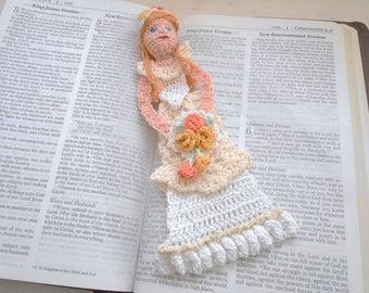 bride crochet bookmark/decoration pattern, anniversary gifts DIY, bridal shower gift instructions, home decor, crochet wall decor pattern,