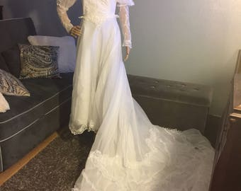 Wedding Vintage dress, Vintage Bridal dress, 1970's dress, something old bridal dress, white wedding dress