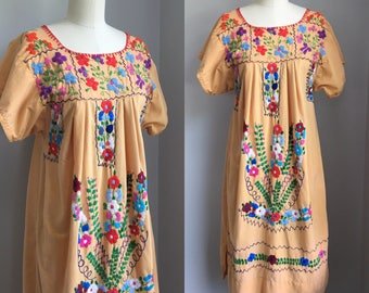Vintage 1970s Mexican Oaxacan Embroidered Dress Size Small Medium