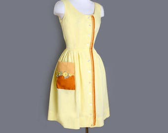1950's Yellow Vintage Day Dress - Sweet and Innocent, Cotton, Full skirt, Mid century, Summer Dress, Size: MEDIUM