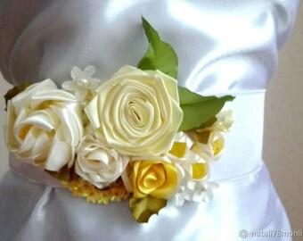 Flower belt sash Yellow rose sash Floral Floral pearls sash Bridal belt Wedding belt Accessories White cristal sash Glass belt Wedding belt