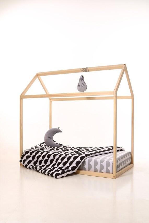 Kinder Kinderzimmer Bett Holzhaus. Kinder-Bett-Haus. Holz