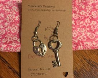 Lock and Key Dangle Earrings Valentine SS