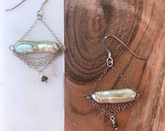 Light green freah water pearl stick earrings