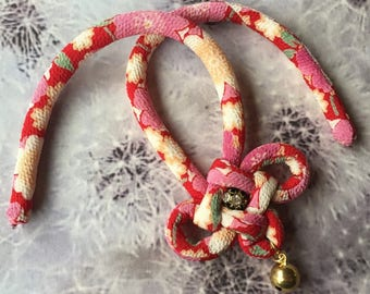 Fabric cord cat collar with a bell /japanese chirimen cord knot / pink and red