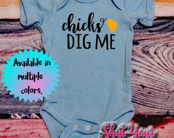 Baby Boy Easter, Easter Shirt Boys, Baby Easter Outfit, Chicks Dig Me, New Baby Easter, Boy Easter Shirt, Funny Easter Shirt, Funny Baby