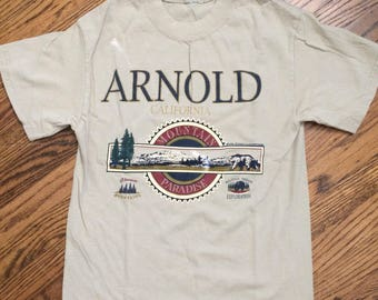 Vintage 1980's/1990's womens arnold california tshirt. Size small