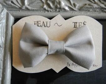 Baby Boy Toddler clip-on bow tie Grey