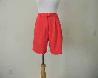 FREE usa SHIPPING 1980's  vintage women's pleated shorts/ cotton rayon/ mid rise shorts/ retro/ Lily's of Beverly Hills/ size 8